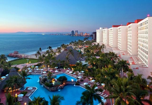 resort-and-convention-center-puerto-vallarta_1